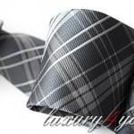 Modny krawat w kratkę 2011