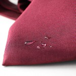 Usuwanie plam z krawatów jedwabnych