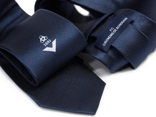 Tie with label with logo 2
